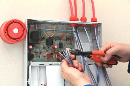 Установка проводной сигнализации камон